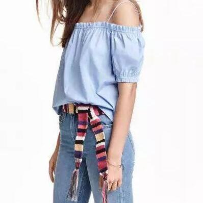 Off-The-Shoulder Puff-Sleeved Top F..