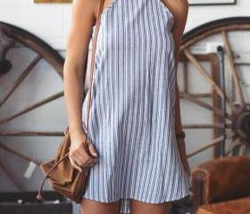 Simple Vertical Stri..