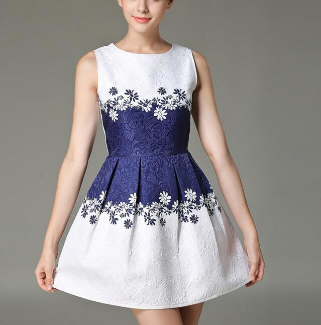 FAST SHIPPING Vintage Women's Blue And White Floral Embroidery Sleeveless Dress