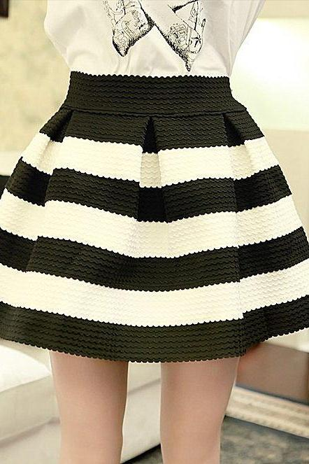 FREE SHIPPING White And Black Stripes Skirt