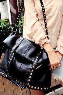 FREE SHIPPING Fall/ Winter 2016 Studded Black Handbag