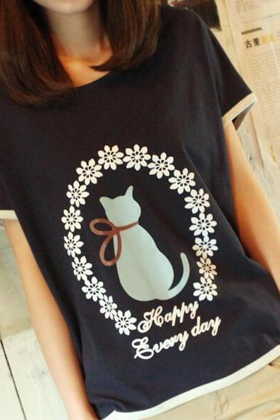 New Women's Retro Floral Cat O Neck T-shirt In Black
