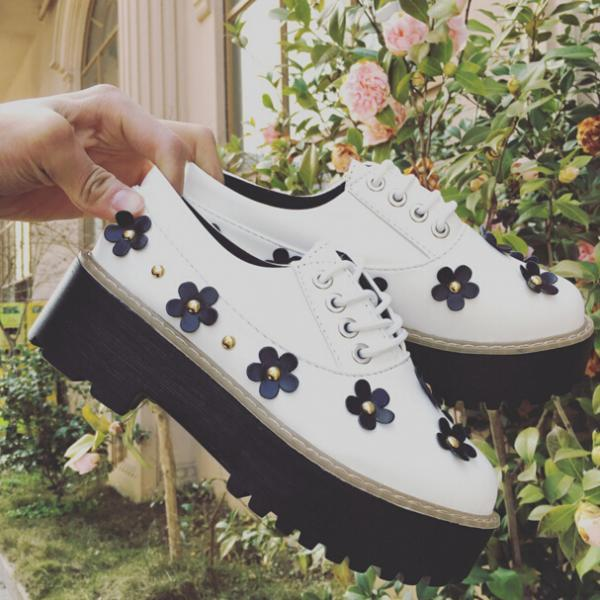 Retro White Floral Creep Shoes British Style Platform Shoes